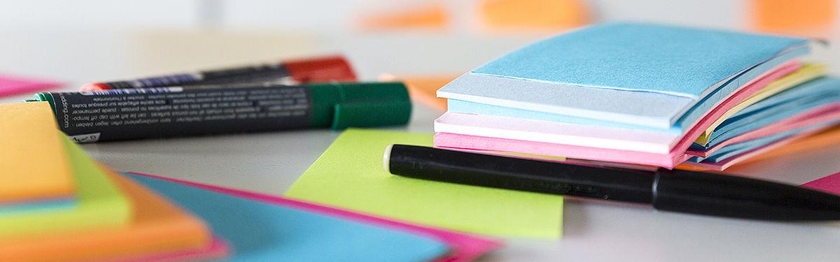 Stifte und Notizblöcke